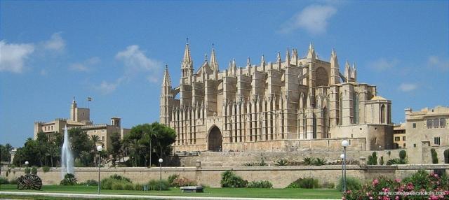 Catedral-de-Palma-de-Mallorca-España.jpg